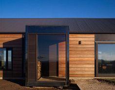 The Hill Plain House - InteriorZine