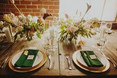 emerald green and gold table details // tyler branch photo www.tylerbranchphotography.com Carondelet House Los Angeles California Day of Coordinator