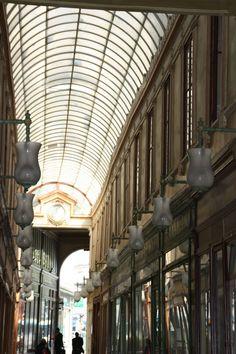 Le passage du BOURG L'ABBÉ — ou passage Bourg-l'Abbé — est un passage couvert parisien situé dans le 2e arrondissement, entre la rue Saint-Denis à l'ouest et la rue de Palestro à l'est.FRANCE , Date de création: 1828,.......SOURCE CANALBLOG.COM......