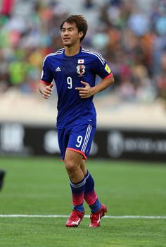 Shinji Okazaki Photos - Shinji Okazaki of Japan looks on during the 2018 FIFA World Cup Russia qualifier against Afghanistan at PAS Ghavamin Stadium on September 2015 in Tehran, Iran. - Afghanistan v Japan - 2018 FIFA World Cup Qualifier Steven Gerrard Liverpool, Liverpool Fc, Shinji Okazaki, Leicester City Football, World Cup Qualifiers, Tehran Iran, European Soccer, Premier League Matches, Ac Milan