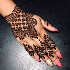 Mehndi henna designs are searchable by Pakistani women and girls. Women, girls and also kids apply henna on their hands, feet and also on neck to look more gorgeous and traditional. Henna Hand Designs, Eid Mehndi Designs, Mehndi Designs Finger, Mehndi Designs For Girls, Stylish Mehndi Designs, Mehndi Design Pictures, Beautiful Mehndi Design, Latest Mehndi Designs, Henna Tattoo Designs
