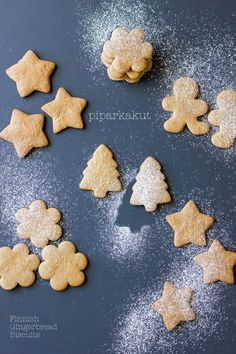 Piparkakut: Finnish Christmas Gingerbread Biscuits // cake crumbs & beach sand #Finnish #Christmas #Joulua