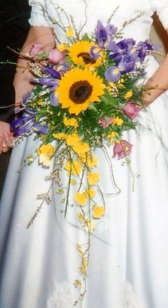 Sunflower Cascade Bouquet - Pretty Petals