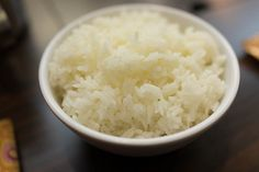"""One can never have too much rice!I'll never forget the surprise on my aunt's face when she asked me what food I would take with me to a desert island. I said """"white rice."""" It wasn't the … Cooked Rice Recipes, Leftover Rice Recipes, White Rice Recipes, Arroz Risotto, Risotto Rice, Bon Appetit, Buttered Noodles, Cooking White Rice, How To Cook Rice"""