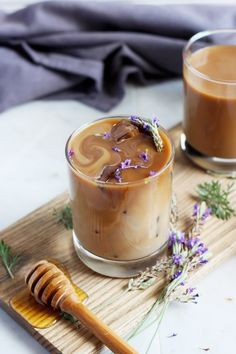 Honey Lavender Cold Brew Latte - The Wooden Skillet Fun Drinks, Yummy Drinks, Yummy Food, Tasty, Beverages, Alcoholic Drinks, Coffee Drinks, Coffee Coffee, Coffee Percolator