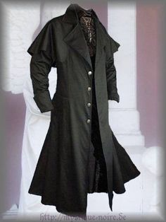 Victorian Black Box Coat Vintage Goth Steampunk Pelerine Edwardian XXXL Listing in the Casual Jackets,Mens Clothing,Clothes, Shoes, Accessories Category on eBid Germany Victorian Coat, Victorian Gentleman, Victorian Fashion, Victorian Mens Clothing, Victorian Outfits, Steampunk Fashion, Vintage Goth, Retro Vintage, Gothic Fashion