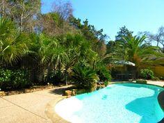 aménagement jardin avec piscine et piscine en forme de rein