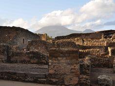 Antike Stadt Pompeiji mit Blick zum Vesuv