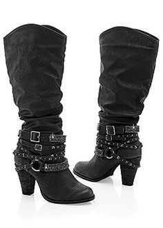 STUDDED BUCKLE BOOT Your shoe collection stepped up with the addition of this country glamour boot featuring multiple straps with studs and bling. Ugg Style Boots, Ugg Boots, Shearling Boots, Leather Boots, High Heel Boots, Heeled Boots, Cute Shoes, Me Too Shoes, Women's Shoes