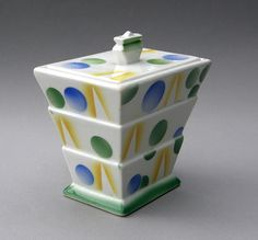 https://flic.kr/p/t3V4xT | Art Deco Box 18 | Date: c1929 Maker: Steingutfabriken Villeroy and Boch, Waterfangen, Saarland, Germany Model/Size/Form: 489 Decoration Number: 2809 Notes: Date based on same form with different decoration illustrated in Figiel (2006).