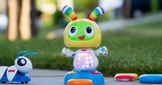 """Gagnez une carte-cadeau Toys""""R""""Us de 500 $. Fin le 30 novembre.  http://rienquedugratuit.ca/concours/gagnez-une-carte-cadeau-toysrus-de-500/"""