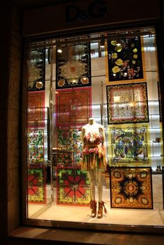 Budapesti kirakatok window displays D