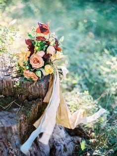 Fall wedding bouquet | Fall wedding inspiration | fabmood.com #wedding #fallwedding #autumn #autumnwedding #fallbouquet