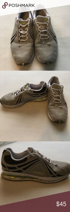 New balance sneakers Worn but In great condition! Very comfortable New Balance Shoes Sneakers