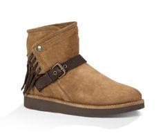 Shop the UGG® men's boots collection. Find the right look and feel for anybody, anywhere. Sheepskin Boots, Size 9 Shoes, Women's Shoes, Slipper Boots, Ugg Australia, Brown Boots, Ankle Booties, Ugg Boots