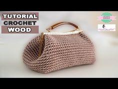 TUTORIAL: Borsa in cordino lanato Stella Alpina by Fatatuttofare-Materiali www. - Well put together! Crochet Bag Tutorials, Crochet Purse Patterns, Crochet Clutch, Crochet Handbags, Crochet Purses, Crochet Videos, Crochet Stitches, Knit Crochet, Crochet Bags
