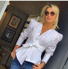 Formal Blouses, Fancy Tops, Casual Outfits, Fashion Outfits, Hijab Outfit, Office Fashion, Blouse Designs, Fashion Looks, Ruffle Blouse