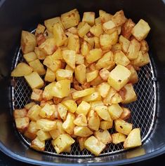 Kartoffeln aus der Heißluftfritteuse – nilaswelt Tefal Actifry, My Favorite Food, Favorite Recipes, Grill N Chill, How To Cook Potatoes, Air Frying, Air Fryer Recipes, Frittata, Sweet Potato