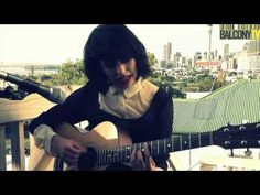 ▶ Kimbra - Cameo Lover (Acoustic Version) - YouTube