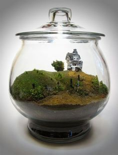FaceoftheEarth - Movie Miniatures: Scale Model Beetlejuice Terrarium