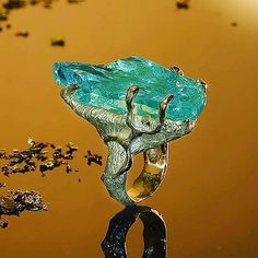 Jewellery is art @mauro_felter_gioielli 18 kt yellow gold ring with raw acquamarine by #maurofelter