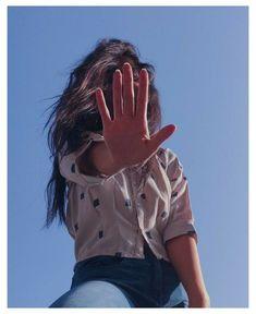 Self Portrait Photography, Portrait Photography Poses, Photography Poses Women, Girl Photography Poses, Selfie Photography Ideas, Cute Selfies Poses, Applis Photo, Girl Photo Poses, Cute Girl Poses
