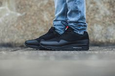 Priceoff Nike Air Max 1 V SP  Patch Pack - Black (704901-001) https://www.kicks-crew.com/detail/9761/Nike-Air-Max-1-V-SP/Patch-Pack---Black/704901-001/