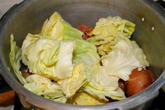 Here are directions for how to cook Corned Beef in an Instant Pot or a Pressure Cooker. A quick and easy recipe for corned beef and cabbage with potatoes. Cabbage And Potatoes, Cooked Cabbage, Corn Beef And Cabbage, Pressure Cooker Recipes Beef, Instant Pot Pressure Cooker, Pressure Cooking, Cooking Corned Beef, Corned Beef Recipes, Instant Pot Corned Beef Recipe