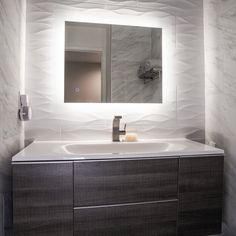 """""""Browse photos of Small Bathroom Tile Design. Find suggestions and inspiration for Small Master Bathroom Tile Design to add to your own house. Interior Modern, Home Interior, Modern Luxury, Royal Bathroom, Master Bathrooms, French Bathroom, Modern Master Bathroom, White Bathrooms, Classic Bathroom"""