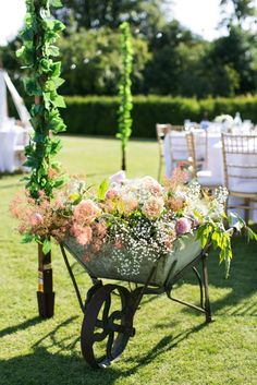 A Relaxed Country House Wedding at Narborough Hall Gardens, Norfolk | UK Wedding Venues Directory - Image by Anneli Marinovich Photography.