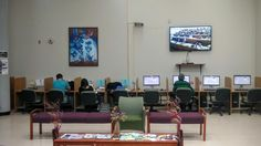 Nuestra Sala, con los equipos de computadoras.