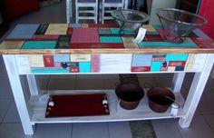 Mesa de arrime pintada