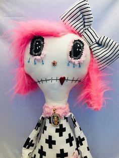 grunge monster dolls, handmade dolls, handmade monster, hand sewn dolls, hand sewn monsters, creepy dolls, gothic dolls, primitive dolls