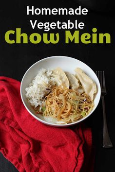 Have a hankering for Chinese take-out tonight? Mix up a batch of this Homemade Vegetable Chow Mein. You'll enjoy a great dish and save some money, too! Healthy Dinner Recipes, New Recipes, Breakfast Recipes, Healthy Food, Cheap Meals, Easy Meals, Chow Mein, 30 Minute Meals, Good And Cheap