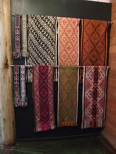 Contemporary Mapuche textiles, Chile, South America via Clare's Research Trip Inkle Weaving, Ethnic Design, Textiles, Fabric Strips, South America Travel, Duvet Cover Sets, Chile, Dressmaking, Lana