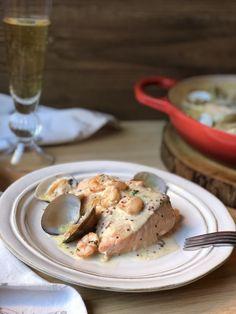 SALMÓN AL CAVA CON MOSTAZA A LA ANTIGUA Fish Recipes, Food And Drink, Irene, Chicken, Meat, Breakfast, Blog, Gastronomia, Salads