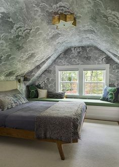When it comes to infusing color and pattern into your sleeping quarters, it's hard to trump the power of wallpaper. So we've rounded up 9 chic bedroom wallpaper ideas, spanning traditional, temporary, and graphic designs to inspire you. Bedroom 2018, Bedroom Loft, Attic Bedroom Decor, Bedroom Sets, Bedding Sets, Bedroom Furniture, Home Interior, Interior Design, Interior Modern