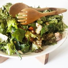 Totally Vegan [Photo by Natural Nibs]  http://naturalnibs.com/home/2015/05/20/the-bull-horn-salad/