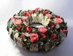 Beautiful wreath design from Linda Talento.