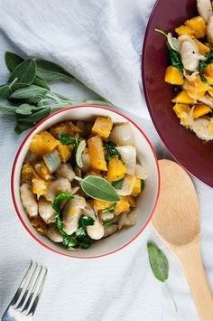 Brown Butter Gnocchi with Roasted Squash and Kale - Seasoned Sprinkles Veggie Recipes, Dinner Recipes, Healthy Recipes, Veggie Meals, Roasted Squash, Butternut Squash, Pasta Plus, Vegetable Seasoning, Brown Butter