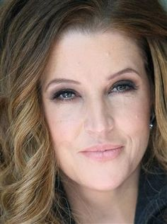 Beautiful picture of Lisa Marie Presley