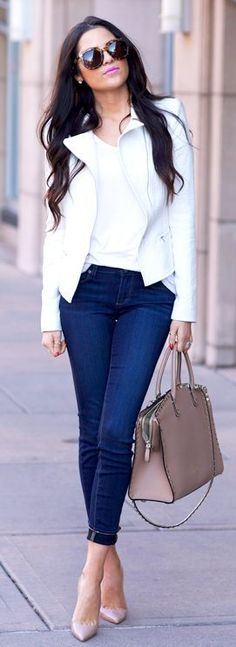 Blue jeans, white tee and jacket, love the nude bag 2018 - LadyStyle