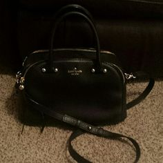 kate spade charles street kenton handbag Classic black kate spade handbag, charles street kenton style. Two zipper pockets with lots of room. Excellent condition! kate spade Bags