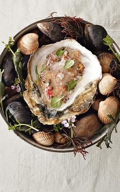 Oysters with vinegar tapioca pearls from René Redzepi: A Work in Progress