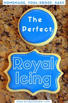 Royal Icing Cookies Recipe, Easy Royal Icing Recipe, Sugar Cookie Royal Icing, Best Sugar Cookies, Christmas Sugar Cookies, Iced Cookies, Cupcake Cookies, Cookies Et Biscuits, Royal Icing For Piping