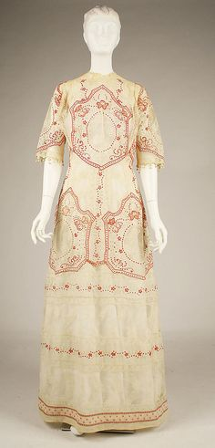 Dress  Date: 1910–11   Culture: American   Medium: cotton   Dimensions: Length at CB (of bodice): 13 1/2 in. (34.3 cm) Length at CB (of skirt): 45 in. (114.3 cm)