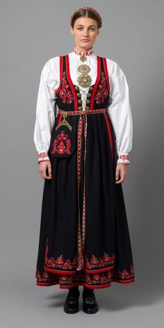 Norwegian Bunad from West Telemark Folk Clothing, Historical Clothing, Norse Clothing, Traditional Fashion, Traditional Dresses, Norwegian Clothing, Norwegian People, Costumes Around The World, Folk Costume