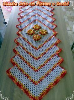 Kit Para Cozinha   Para este trabalho usei a flor Caracol para aprender CLIQUE AQUI . Para este trabalho usei fio Barroco Multicolor da Cí...