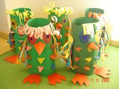 Idee voor het maken van een lampion - Uil Zo een heb ik gemaakt in 1986 (meneer de uil) Driehoeken prikken en daarachter doorschijnend papier. Mijn mooiste lampion! Recycling For Kids, Diy For Kids, Crafts For Kids, Cup Crafts, Bird Crafts, I Love School, Preschool Arts And Crafts, Toilet Paper Roll Crafts, Creative Kids