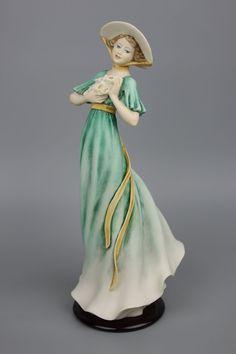 "Giuseppe Armani Figurine 1806C ""Good Luck"""